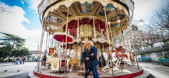 День Всех Влюбленных в Париже