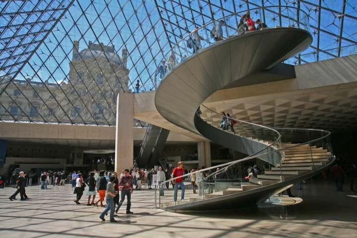 Тематическая детская экскурсия в Лувр «Мифы и легенды»