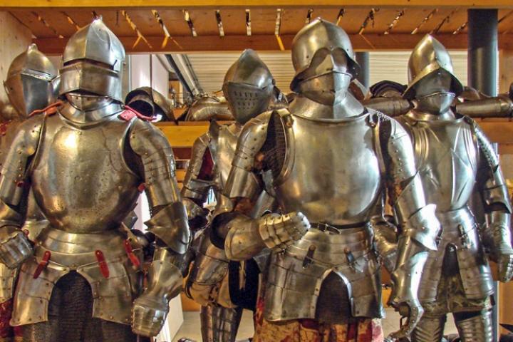 Тематическая экскурсия в музей оружия «Кто такие рыцари?»